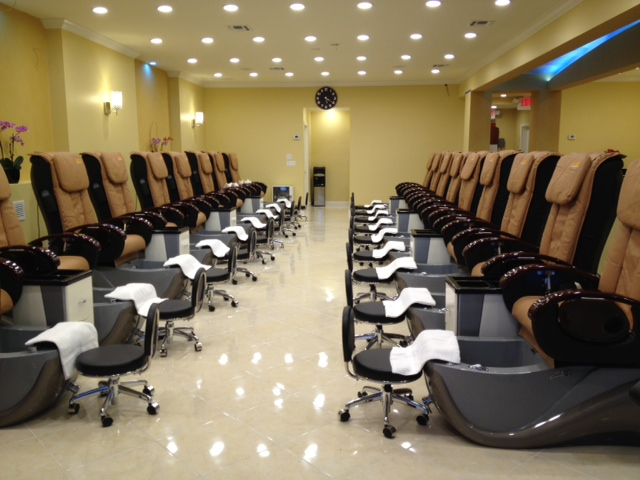 Your Nails and Spa Phoenix Pedicure Stations